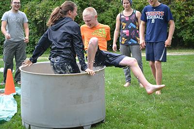 messy bucket-1