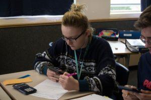jessica-klassen-watches-on-her-phone